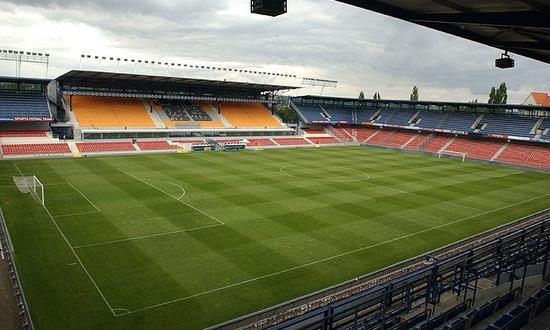 Реконструкция вспомогательных распределительных щитов низкого напряжения на стадионе атлетического клуба Спарта (Прага) - AC Sparta Praha